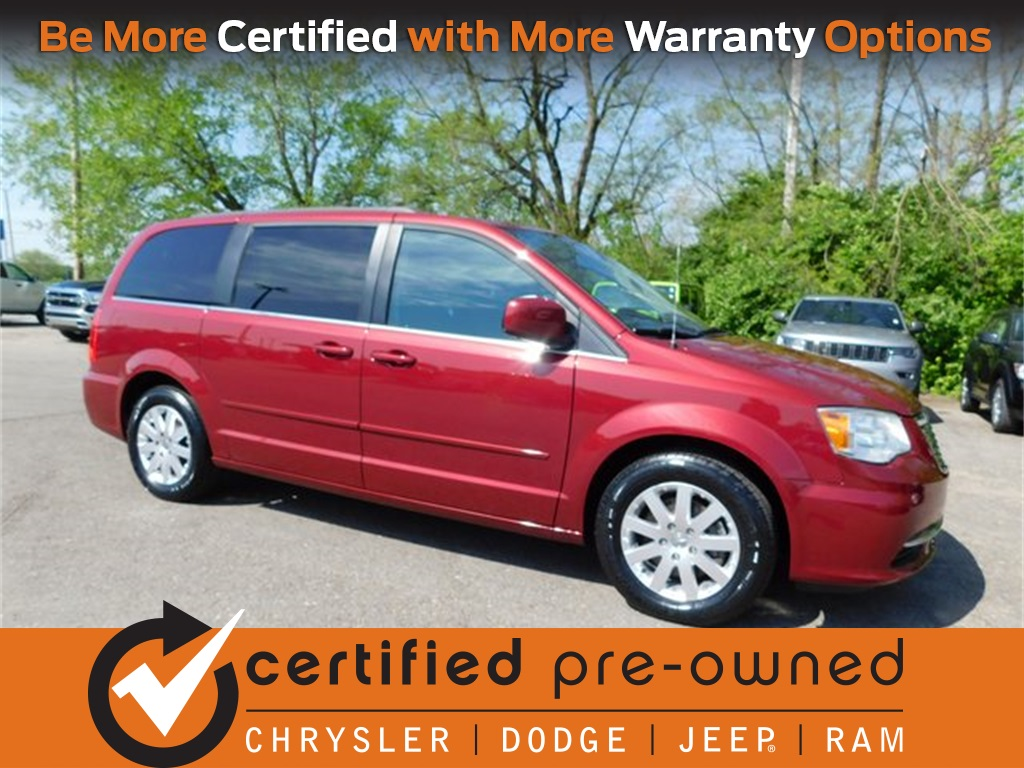Certified Pre-Owned 2016 Chrysler Town & Country LX